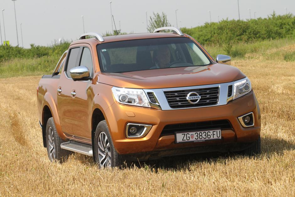 Nissan Navara DC 190 7AT | Author: Nissan